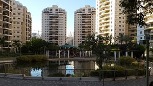 Park and pound near Moshe Sne street in Petah Tikva - 04