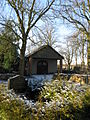 Parum Kapelle auf Kirchhof 2009-01-05 032.jpg