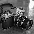 Pentax K1000 135 film SLR camera.jpg