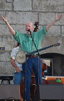 Pete Seeger at Newport Folk Festival 2009.jpg