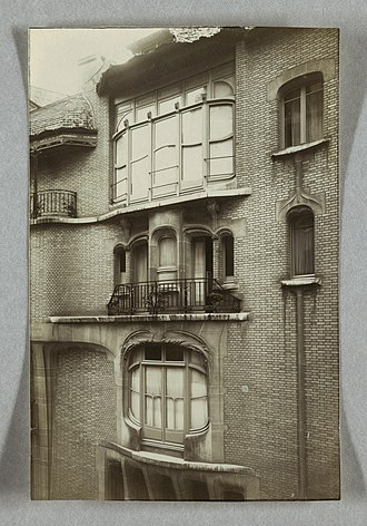 Hôtel Guimard (Art Nouveau) - Image: Photograph, Photograph of Facade and Windows of the House of Hector Guimard, 22 Rue Mozart, ca. 1910 (CH 18411101)