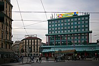 Piazzale Luigi Cadorna con la stazione delle Ferrovie Nord di Milano.jpg