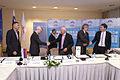 Podpis sporazuma o zaposlovanju vrhunskih športnikov in trenerjev 2013 (9).jpg