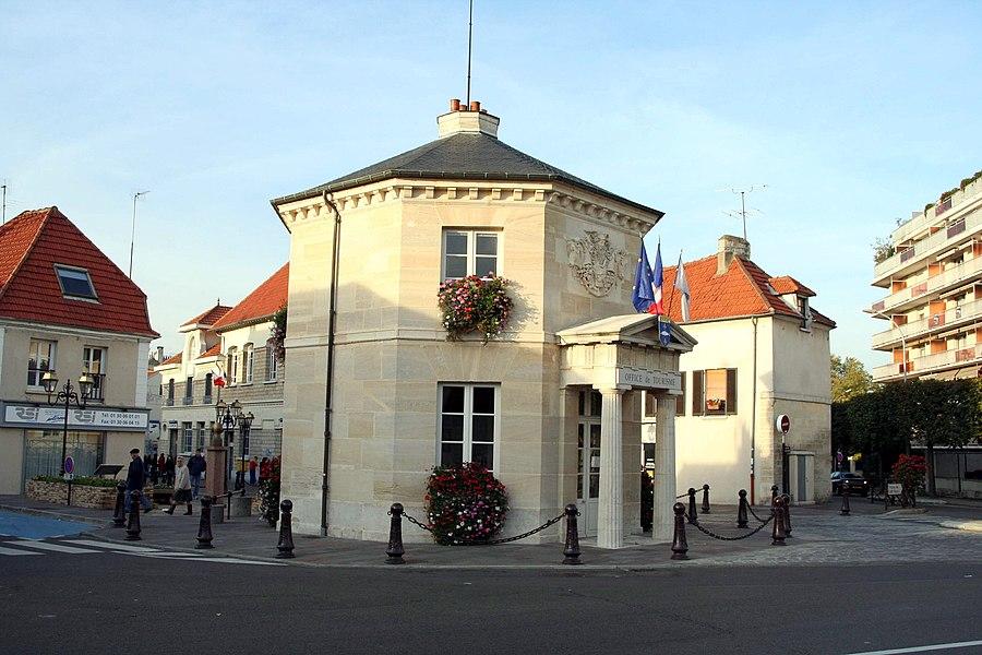 Pavillon d'octroi (Office de tourisme) à Poissy - Yvelines (France)