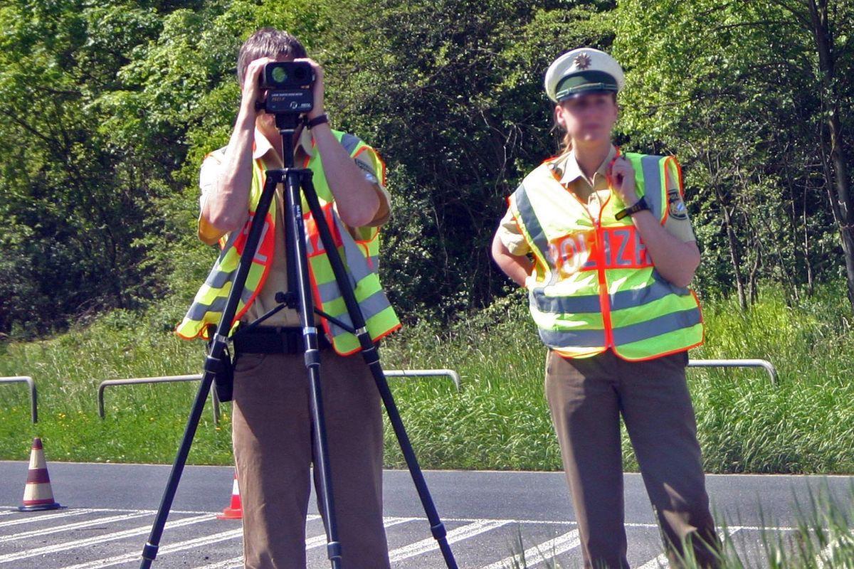 Laser Entfernungsmesser Optisch : Elektrooptische entfernungsmessung u2013 wikipedia