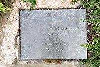 Pomník-Viliama-Debnára-oběti-okupace1968-Brno-Jedovnická2018.jpg