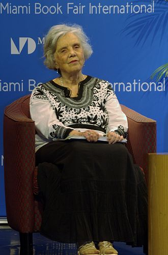 Elena Poniatowska - Poniatowska at the Miami Book Fair International 2014