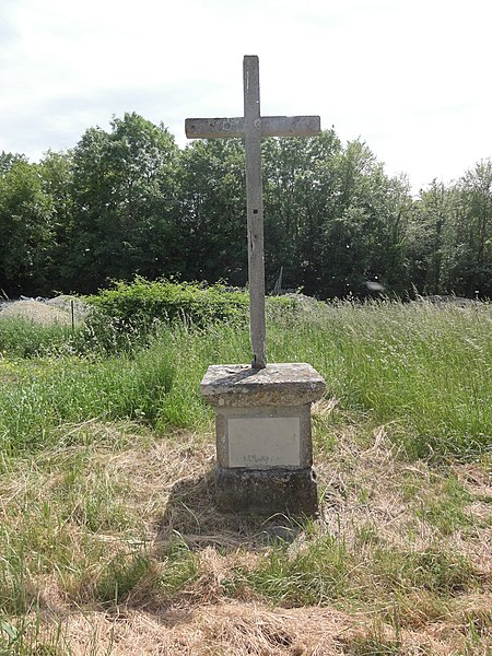 Pont-Arcy (Aisne) Croix de chemin