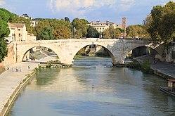 Ponte Cestio (46-43 a.C., ricostruito nel 370 d.C., semidemolito nel 1888 - fu salvata la sola arcata centrale - e ricostruito nel 1892) - panoramio