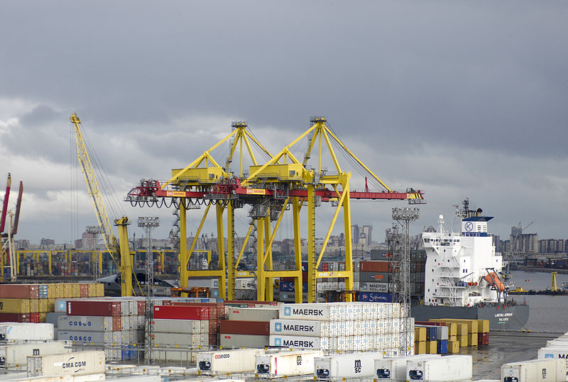 File:Port crane in St.Petersburg 03.jpg