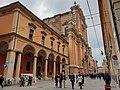 Portico della cattedrale di San Pietro.jpg