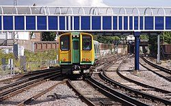 Portsmouth and Southsea railway station MMB 08 313219.jpg