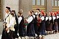 Praha, Staré Město, Prašná brána, srbský folklorní soubor.JPG