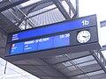 Praha hlavní nádraží, odjezdová tabule, nástupiště 1b sever.jpg