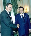 President Estrada with William Ludwig (2000).jpg