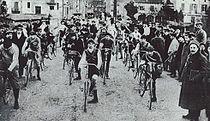 Primera sortida Volta Ciclista a Catalunya (1911).jpg