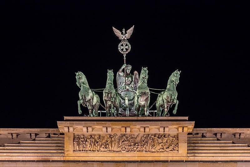 File:Puerta de Brandeburgo, Berlín, Alemania, 2016-04-21, DD 49-51 HDR.jpg