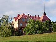 Asunto Oy Albatross. Rakennus on vuodelta 1910 ja sen ylimmän kerroksen ateljeessa on työskennellyt muun muassa Wäinö Aaltonen.