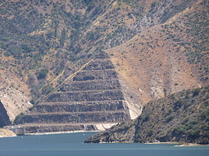 Pyramid Lake (Los Angeles County, California) - Pyramid Lake earthworks.
