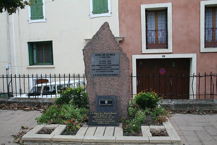 Quarante (Hérault) - monuments aux morts.