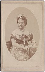 Queen Kapiolani, carte de visite by Menzies Dickson, Paul Mellon Collection.jpg