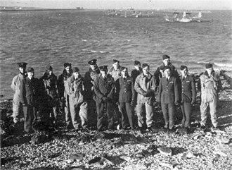 RAF Calshot - RAF personnel on the beach at Calshot, 1936.
