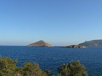 Porto Rafti - View of Raftis Island and Raftopoula