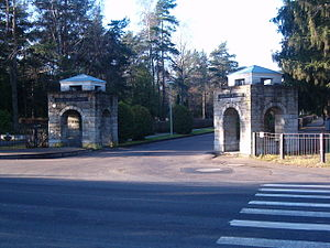 Rahumäe cemetery - The main entrance to Rahumäe cemetery.