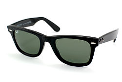 Ray-Ban — Википедия 4e203793997