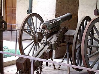 Mitrailleuse - Rear view of 25-barrel Reffye mitrailleuse. Musée de l'Armée.