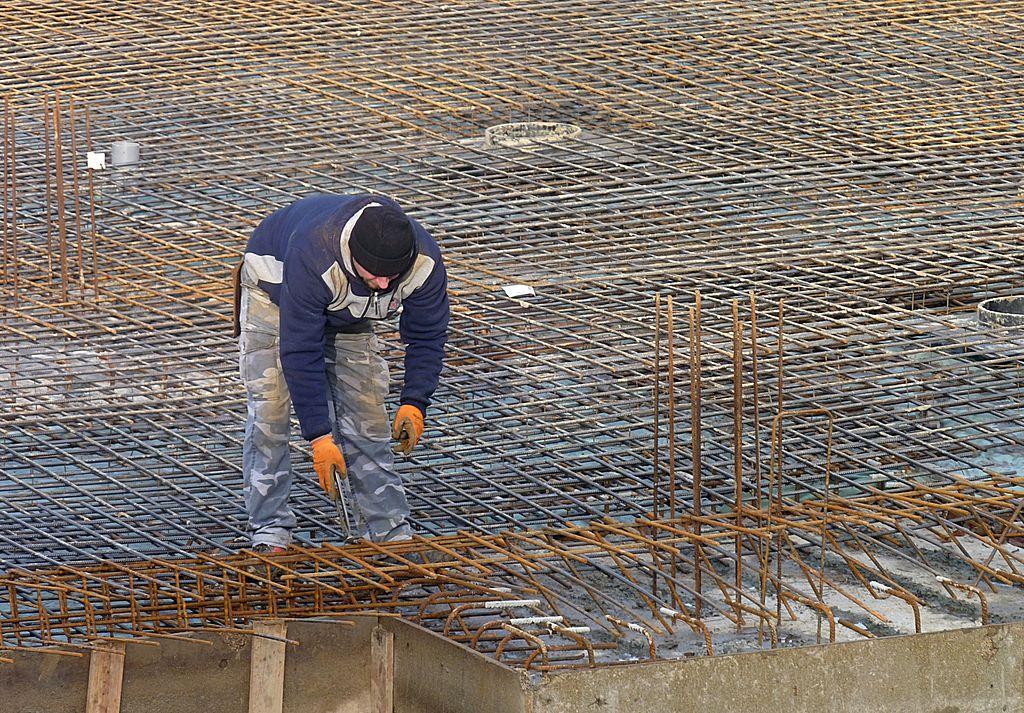 filerebar worker j1jpg rebar worker