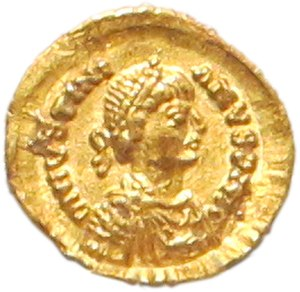 "Athalaric - Golden coin of Theodatus and Athalaric, depicting emperor Justinian I depicted with a ""barbarian"" moustache"