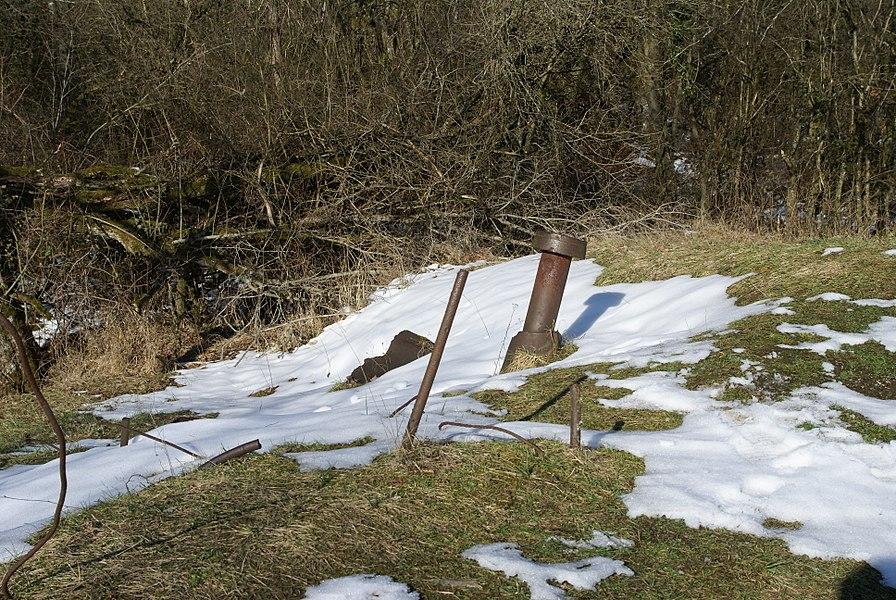 Restes de la tourelle de mitrailleuses de l'ouvrage de Thiaumont, près de Verdun.