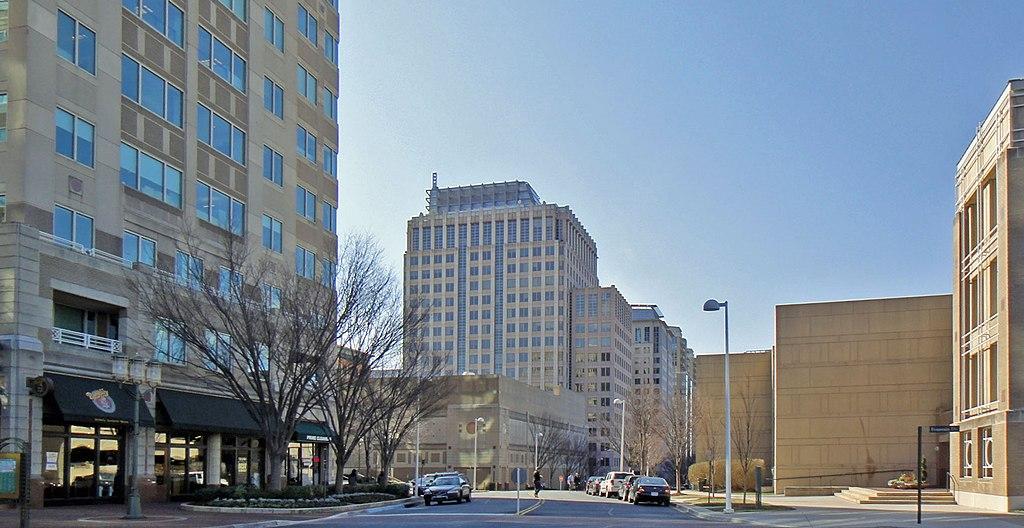 Pentagon City Opening Hours