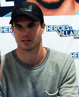 Robbie Amell in 2016