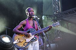 Rokia Traoré with a guitar.jpg