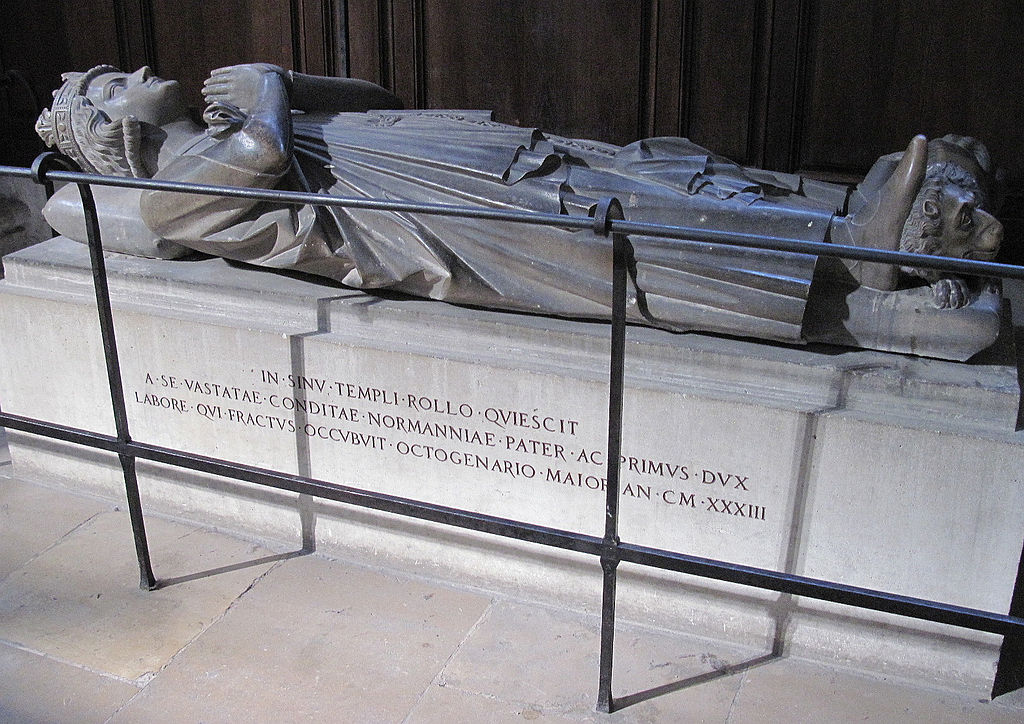 1024px-Rollo_of_Normandy_effigy_Rouen.jpg