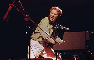 Ron durante un concerto dei primi anni '90