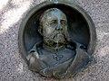 Roth 05 Dresden Albertstadtkaserne, W.A.Roth-Denkmal, Bronzerelief.JPG