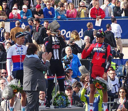 Roubaix - Paris-Roubaix, 12 avril 2015, arrivée (B27).JPG