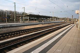 Frankfurt Stadion station - Image: S Bahn Station Frankfurt Stadion
