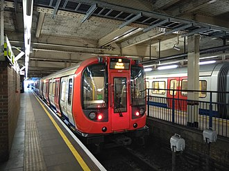 High Street Kensington tube station - Image: S7 Stock at High Street Kensington