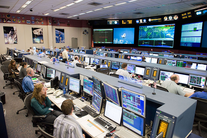 STS-128 MCC space station flight control room.jpg