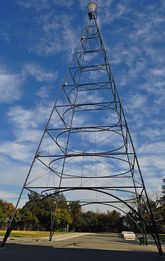 San Jose Electric Light Tower replica (1).JPG