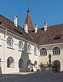 Sankt Paul Benediktinerstift NW-Ecke und Brunnen 1905201 3847.jpg