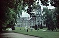Schloss Neustrelitz Park-Ansicht Turm Farbfoto um 1940.jpg