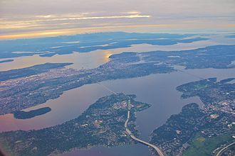Lake Washington - The longest and second longest floating bridges in the world cross Lake Washington