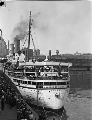RMS Empress of Canada (1928) - Empress of Canada at the Port of Montreal, July 1947.