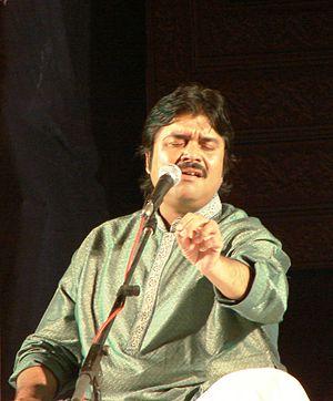 Shounak Abhisheki - Shounak Abhisheki singing in Vasantotsav 2011