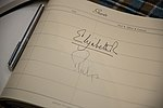Signature of Elizabeth II.jpg